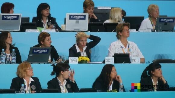 судьи в спортивной гимнастике